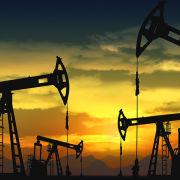 Совместно с другими ведущими нефтедобывающими странами ОАЕ сможет стабилизировать рынок нефти